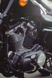 Tir puissant d'art de moto de beau moteur noir élégant sur le calendrier image stock