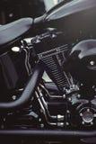 Tir puissant d'art de moto de beau moteur noir élégant sur le calendrier photographie stock libre de droits