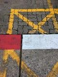 Tira de color en la acera Imagen de archivo