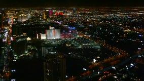 Tira de Las Vegas, paisaje urbano aéreo de la noche, almacen de metraje de vídeo