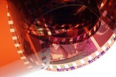 Tira velha do filme do negativo 35mm no fundo branco Imagens de Stock Royalty Free