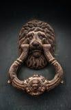 Tirador de puerta antiguo hermoso Foto de archivo libre de regalías