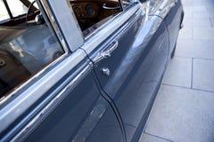 Tirador de puerta de una limusina Fotografía de archivo