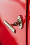 Tirador de puerta retro brillante del estilo del coche clásico viejo Foto de archivo