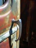 Tirador de puerta viejo del coche Imagen de archivo libre de regalías