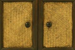 Tiradores de puerta de madera Fotos de archivo libres de regalías