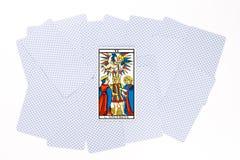 Tiraggio della carta di tarocchi buon immagini stock