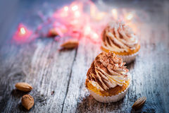 Tiramisu κρέμας επιδορπίων Cupcake Στοκ Φωτογραφίες