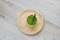 Tiramisu del té verde con el polvo del té verde Foto de archivo libre de regalías