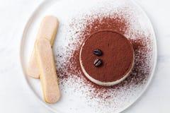 Tiramisu, dessert italien traditionnel Vue supérieure photographie stock libre de droits