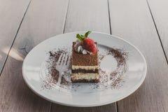 Tiramisu mit Erdbeeren Stockfotografie