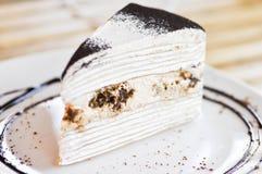 Tiramisu omfloerst cake Stock Afbeelding