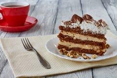 Tiramisu tort z orzechami włoskimi i kawą Zdjęcia Royalty Free