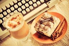 Tiramisu y café Imagenes de archivo