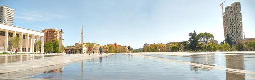 Tirana-Stadtzentrum-Netzfahne Stockfotografie