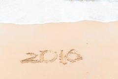 Tirando 2016 na praia Fotografia de Stock Royalty Free