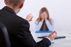Tiranizar na reunião do trabalho fotos de stock