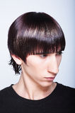 Tirante sveglio con taglio di capelli di modo Immagini Stock