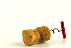 Tire-bouchon de chapeau de vin en plan rapproché sur un fond blanc Photo libre de droits