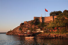 Tirebolu, het kasteel van Heilige Jean in de avond (Turkije) Stock Afbeelding