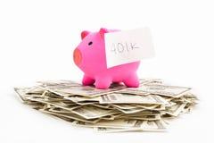 Tirelire 401K et dollar Image stock