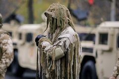 Tireur isolé roumain d'armée photos stock