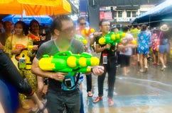 Tireurs de Songkran image libre de droits