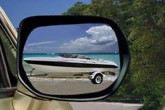 Tiri la corsa in secco, l'automobile, la barca, mare immagine stock libera da diritti
