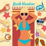Tiri la vacanza in secco Giovani adulti Donna sulla spiaggia Immagine Stock Libera da Diritti