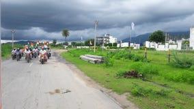 Tirnga relly in via della città del Ragiastan su verde Immagini Stock Libere da Diritti