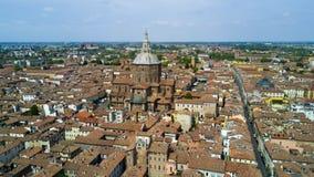 Tiro aéreo com o zangão em Pavia Fotos de Stock