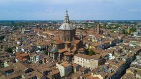 Tiro aéreo com o zangão em Pavia Imagens de Stock Royalty Free