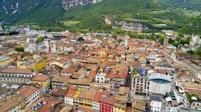 Tiro aéreo com o zangão em Trento Fotografia de Stock