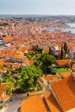 Tiro aéreo da cidade velha Rovinj, Istria, Croácia imagens de stock