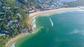 Tiro aéreo da linha da costa em torno de Noosa na costa da luz do sol Fotografia de Stock