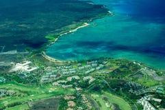 Tiro aéreo de la isla grande - campo de golf costero Imagen de archivo libre de regalías