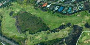 Tiro aéreo de la isla grande - golfing Imágenes de archivo libres de regalías