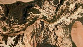 Tiro aéreo de la montaña del desierto almacen de video