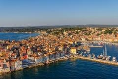 Tiro aéreo de Rovinj, Croácia imagem de stock