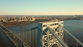 Tiro aéreo del abejón de George Washington Bridge almacen de video