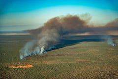 Tiro aéreo del fuego del arbusto fotografía de archivo libre de regalías