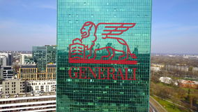 Tiro aéreo do arranha-céus do escritório com logotipo do grupo de Generali Prédio de escritórios moderno Rendição 3D editorial Imagens de Stock Royalty Free