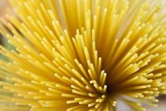 Tiro abstracto de las pastas secadas del espagueti Imagen de archivo libre de regalías