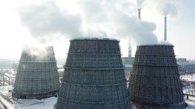 Tiro aereo della centrale elettrica a carbone Fabbrica di potere termico archivi video