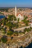Tiro aereo di Rovigno, Croazia fotografia stock