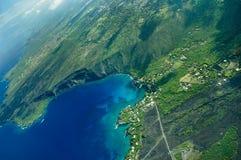 Tiro aéreo de la isla grande - bahía de Kealakekua Foto de archivo