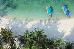 Tiro aéreo de la playa tropical Fotografía de archivo