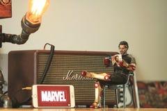 Tiro ascendente próximo da figura escala de Tony Stark do modelo 1/6 de ironman3 imagem de stock royalty free