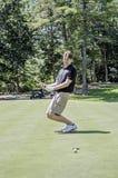 Tiro in buca sig.na di golf Fotografia Stock Libera da Diritti