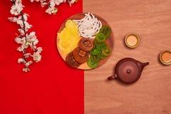 Tiro chino de la sobremesa del Año Nuevo del Año Nuevo de la endecha plana El niño roba Foto de archivo